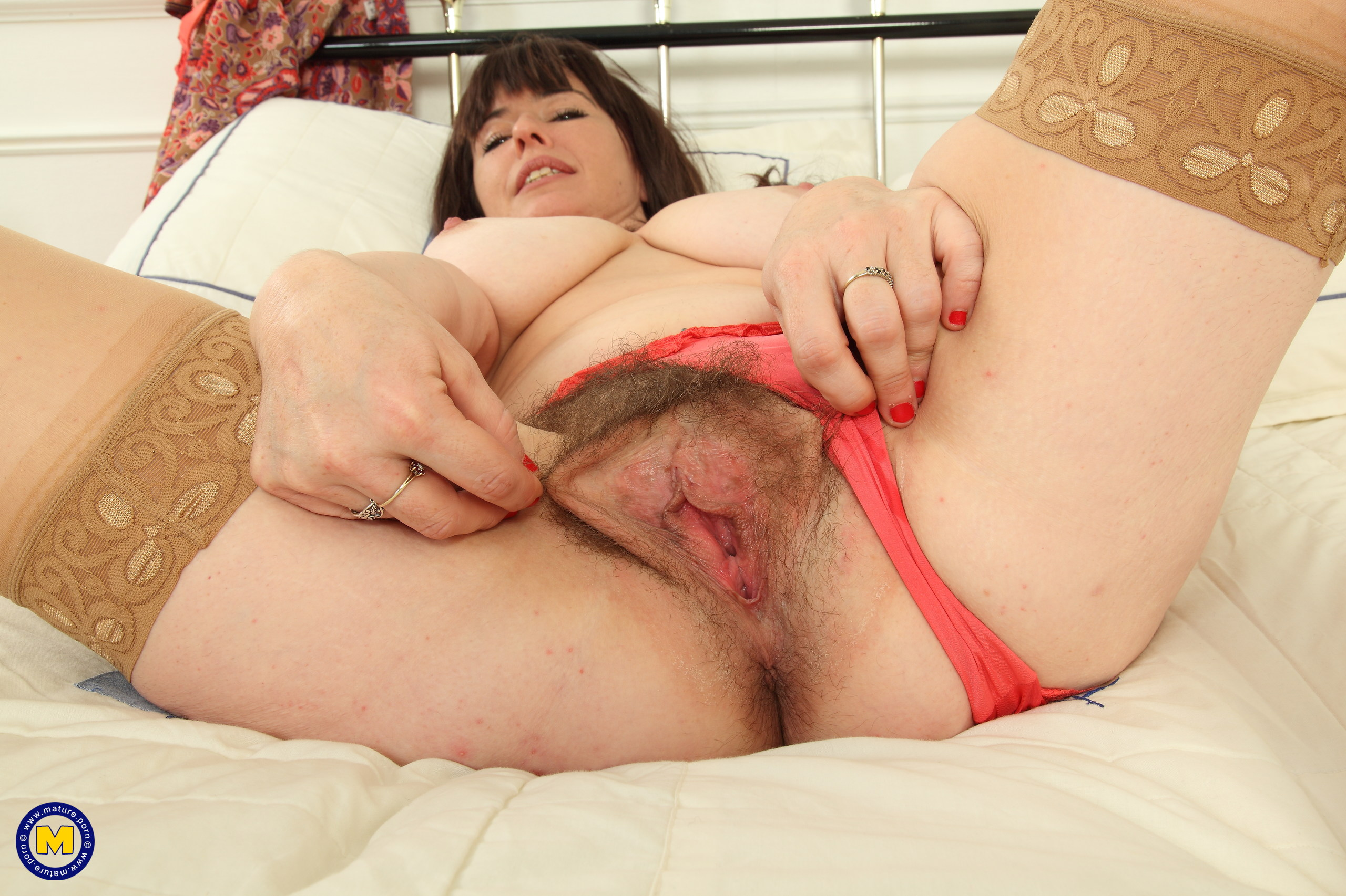 Hairy housewife from the UK getting frisky in bed – UK ...